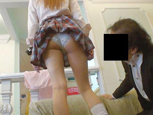 【円光JC】キモおじさんがヤンキーロリ娘と援交 制服パンティ覗いて輪姦セックスで犯す 膣内射精がヤバイやつ