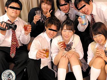 【JKレイプ企画】宅飲み泥酔した女子高生をクラスメイトが強姦!!制服着衣で大乱交な痴漢プレイ!膣内射精なヤバイやつw