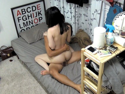 【ロリ盗撮企画】黒髪清楚なスレンダーなお姉さんを隠し撮りwカップル的ベロチューから騎乗位セックスでデカチン巨根で痙攣アクメw