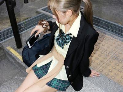 【JK援交】「おじさんエッチしよ〜♡」制服ギャルと円光企画!制服着衣で乱交w