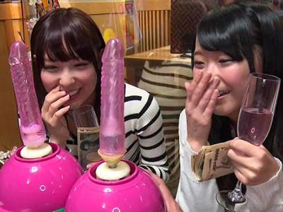 【素人参加企画】『ナニコレぇー!』美乳おっぱい美少女JDナンパして電マの刺激企画!痙攣アクメ姿を撮影!