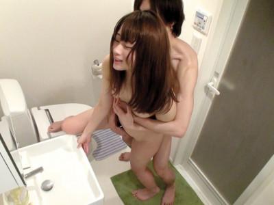 【JD盗撮】貧乳おっぱいのお姉さんを隠し撮りwカップル的アクメ痙攣w