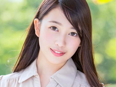 18歳でAV女優デビュー!フェラや3Pで激イキ!