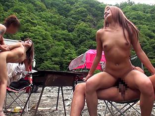 【ギャル青姦】黒ギャルがナンパで野外ハメwデカチン巨根で痙攣アクメw