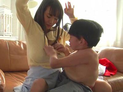 《爆乳ギャル》「いやん!どこでそんなコト覚えたの!?」超乳痴女AV女優が子供とセックスしちゃうw