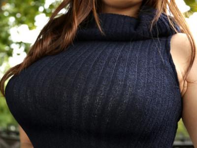 ≪着衣巨乳≫『すげぇおっぱいww』卑猥な超乳をバインバインさせて主観フェラ企画