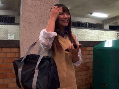 【女子高生】『エッチしてあげるよぉ〜♡』スレンダー美少女の女子校生とカップル企画