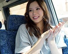 《素人企画》『え〜これってなんの取材なんですかぁ〜??』美少女な素人お姉さんをナンパして即ハメ!!撮影してAV女優デビューっw