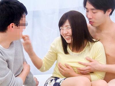 可愛い女子大生と彼氏と男優が3Pしちゃう!!彼氏が目の前にいるのに男優のちんぽを選んでセックスしまくっちゃうww